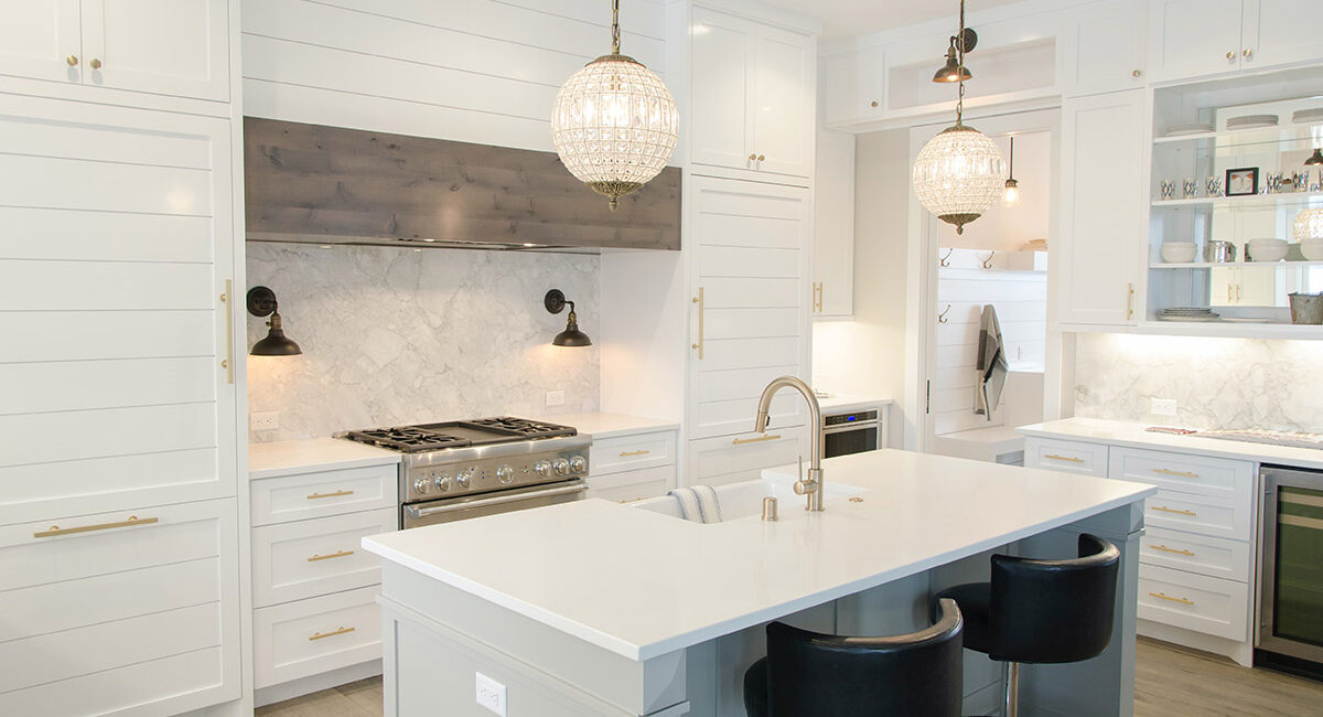 Photo of a luxury kitchen in Northbridge Sydney installed by Renovation company Renovahouse